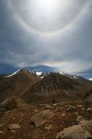Solar haloes by orographic