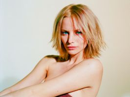 Sienna Guillory 750993-1920-1440 by disturbedkorea