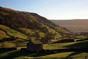 Swaledale barn by CumbriaCam