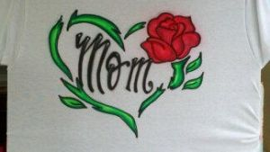 airbrushed momheart tee by studioexperiment