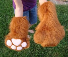Long rust paws by Nevask