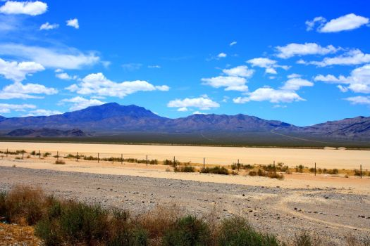 Nevada Desert by scifibunny