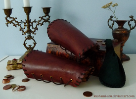 Leather Bracers by Kushami-Aru