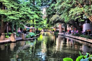 Paseo del Rio I by DFWHDR