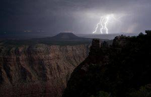 Flash photography in grand canyon by grumsetuff