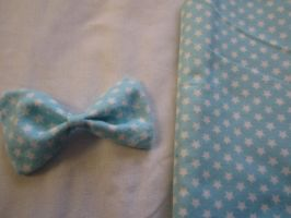 Light Blue with White Stars Hair Bow by colbyjackchz