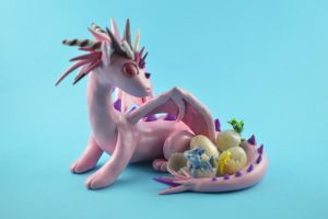 Dragon mama with hatching babies by claymeeples