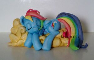 Handmade Rainbow Dash sculpture (SOLD) by LtiaChan