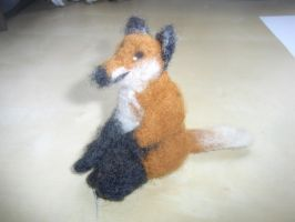 Needle felted sitting red fox plushie by ArcticIceWolf