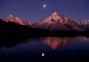 Moon in the Mirror by RobertoBertero