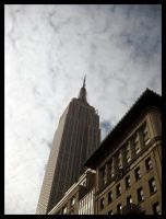 Empire State Building by fartoolate