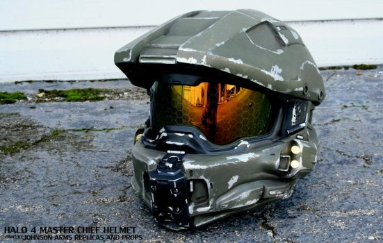 Halo 4 Master Chief Replica Helmet by JohnsonArmsProps