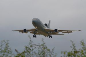 Tristar on approach by hanimal60