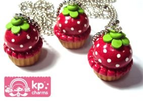 strawberry cupcakes by KPcharms