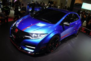 Type R by GauthierN