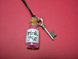 Queen of Hearts 'Drink Me' Bottle by KimNichole