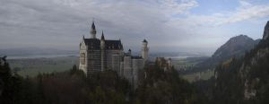 Neuschwanstein Castle by RadarGeeek