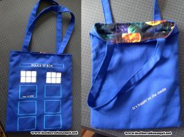 Tardis Tote by SongThread