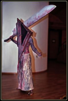 MACO 2009 - Pyramid Head by angryRiffRaff
