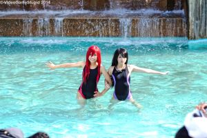 Otakon 2014 - Two Girls One Fountain 1 by VideoGameStupid