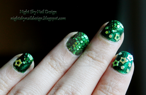 31 Day Challenge, Day 4: Green Nails by nightskynaildesign