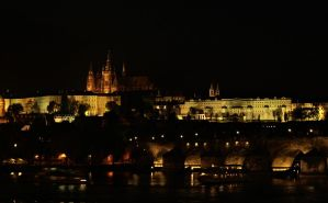 Prague at night by eperlekvar
