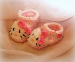 itty bitty hello kitty slippers by neko-crafts