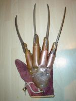 Freddy Krueger Glove by Quagmire9