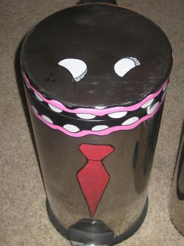 Papa Trashcan by iZacchemical