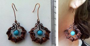 Blue Crescents earrings by Enotification