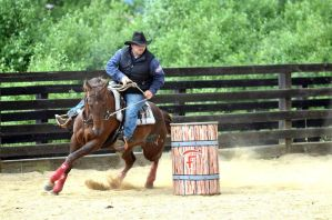 Barrel Racing by Desirestar