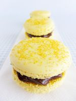 Chocolate Banana Macarons by dabbisch