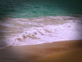 Another Pic of Waves by silenced-revelation