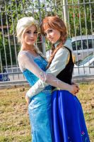 Elsa and Anna Cosplay by TwinseyCosplay