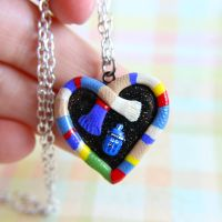Fourth Doctor Locket by TrenoNights