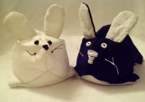 Button Bunnies by EmrT