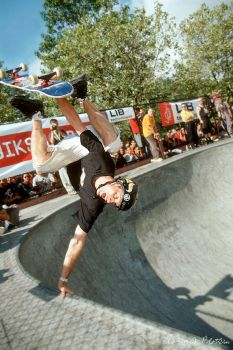 Tony Hawk Hand Stand 1 by photoboy1002001