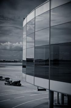 Airport by D3ZTROYA