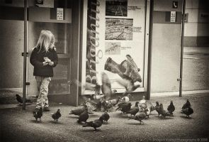 Little_Girl_with_Pigeons by shamsa95
