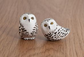 Snowy owl totems, handmade in polymer clay by lifedancecreations
