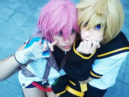 lightning cosplay by Shoratime-vocaloid