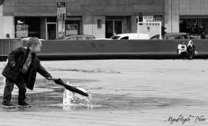 Water Playing by MiguelAngeloPhoto