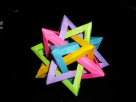 5 Intersecting Tetrahedra by peachfuzz22