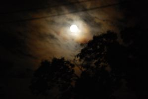 Cloudy Moon by zeldalilly