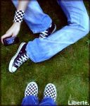 Vans et Converses by x-one-smile