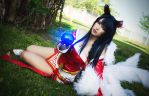 Ahri - League of Legends by daniellevedo