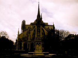 Notre Dame by FrozenAshes