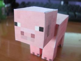 Papercraft Pig by Greenpaint21