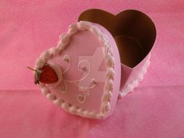 Strawberry Heart Cake Box by kimchikawaii