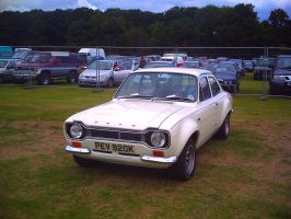 white mk1 escort by VipertheWyvern